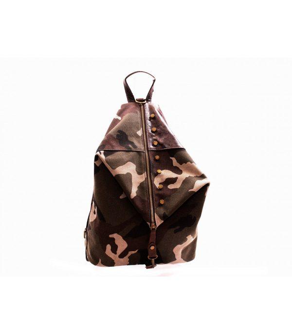 mochila-camouflaje-artemura-caceres-artesania-artesanal-regalos-bolsos-colgantes-monederos-decoracion---min